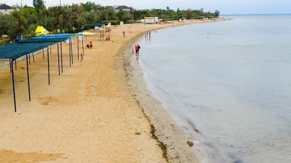 """Пляж в Заозерном - Усадьба """"Дом Роз"""" - Частное домовладение Заозерного"""